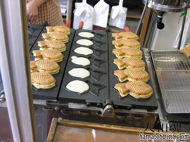 Taiyaki being made at Negishi taiyaki